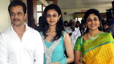 Kollywood Welcomes Arjun Daughter Aishwarya