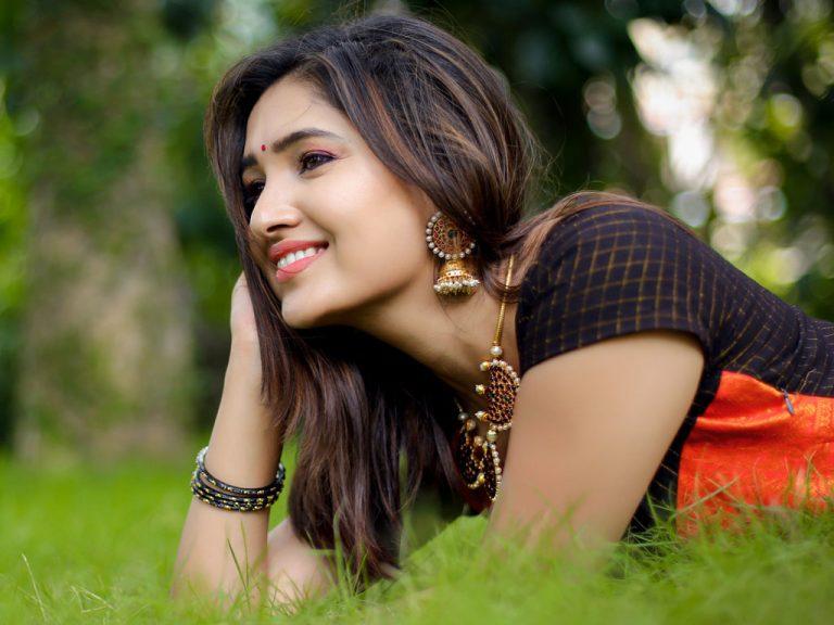 Actress Vani Bhojan Photoshoot Stills