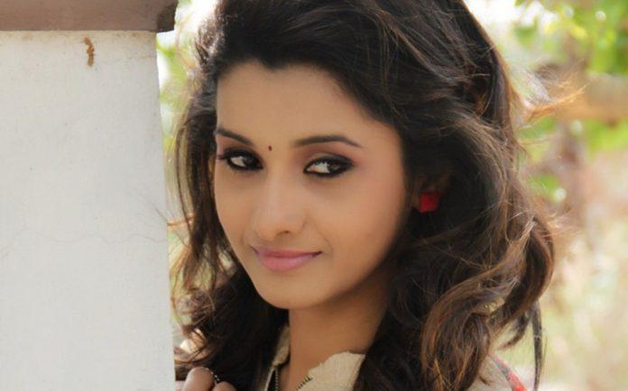 Priya Bhavani Shankar's request to 8 Thottakkal director